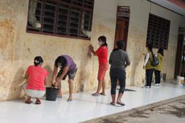 Bergotong Royong Membersihkan Sekolah Yayasan Buddha Tzu Chi Indonesia