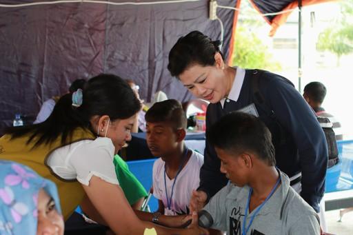 Baksos kesehatan Tzu Chi berikan pelayanan kesehatan umum, THT, kulit, dan pemeriksaan khusus untuk Balita dan anak-anak dari para pendatang Birna (Myanmar) dan Bangladesh.