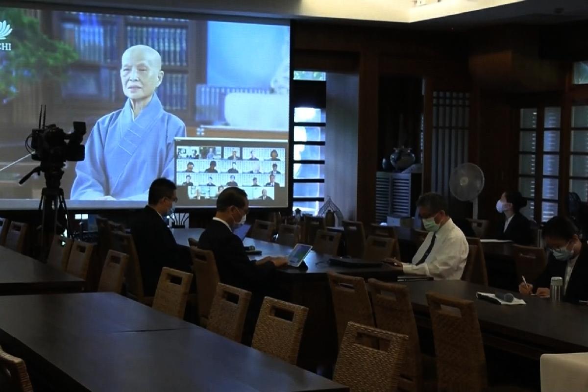 Ceramah Master Cheng Yen: Menyebarluaskan Dharma demi Membangkitkan Kesadaran