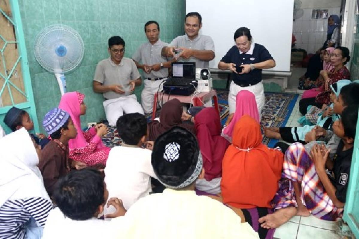 Berbuka Puasa Bersama dan Menghibur Anak-anak di Panti Asuhan