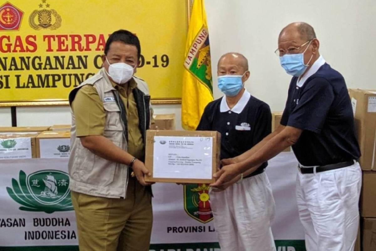 Penyerahan Bantuan Kebutuhan Medis dan Seribu Paket Sembako kepada Pemprov Lampung