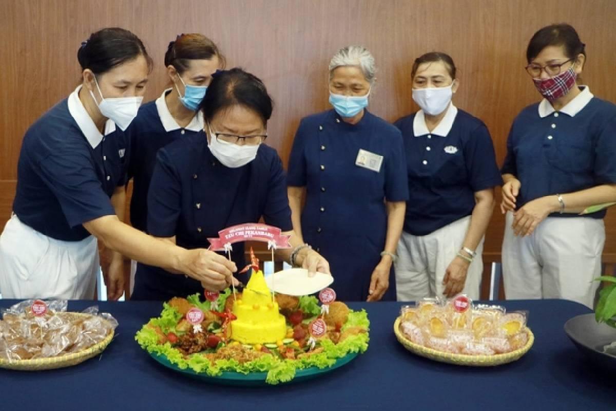 Mensyukuri Ultah Tzu Chi Pekanbaru Ke-14 Melalui Perhatian Bagi Sesama