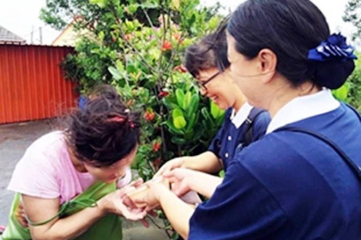 Berita Internasional: Menyatukan Hati Memberikan Guan Huai