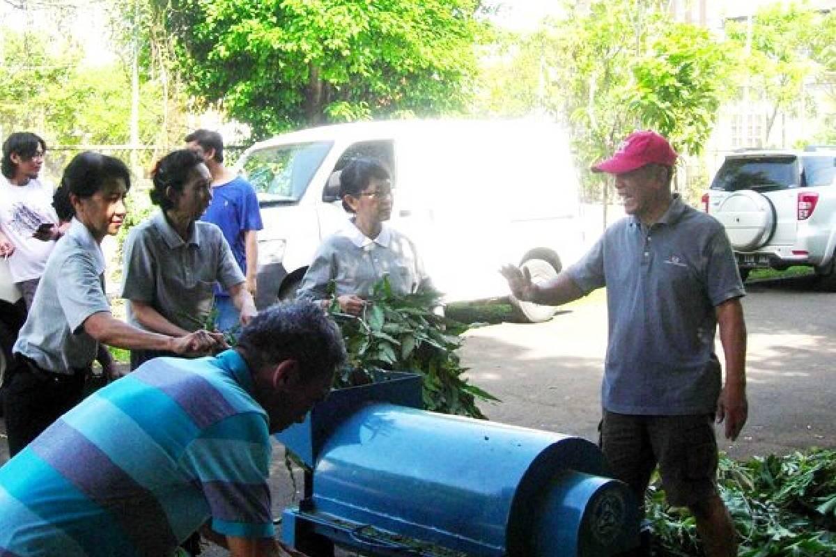 Mengolah Sampah Jadi Pupuk Sayur dan Tanaman Buah
