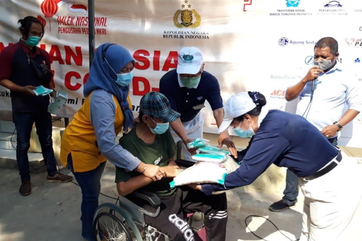 Peduli Pandemi, 300 Paket Beras disalurkan di Pademangan Timur