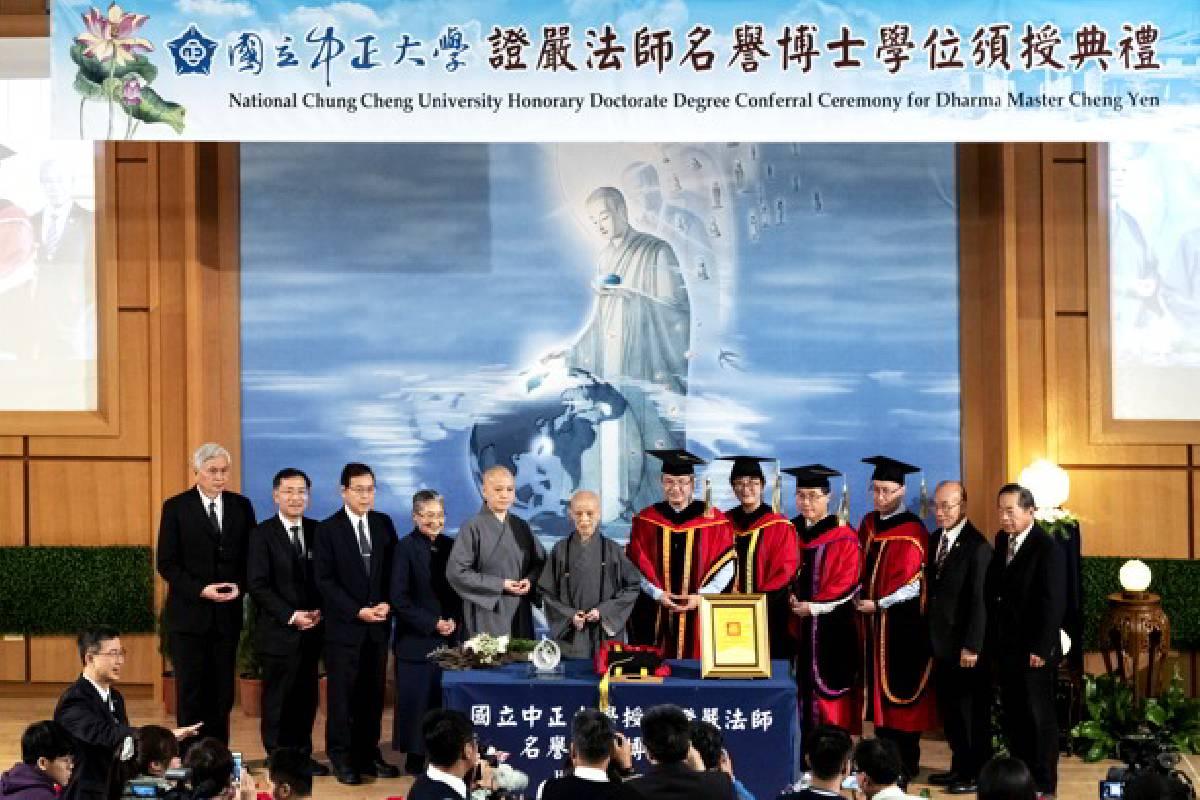 Berita Internasional: Master Cheng Yen Terima Gelar Doktor Kehormatan