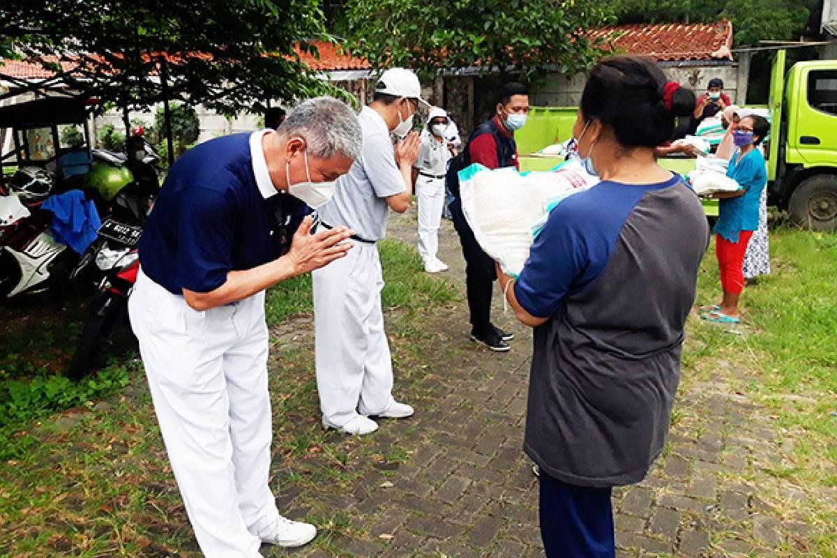 50 Paket Beras untuk Warga Kebayoran Baru, Jakarta Selatan