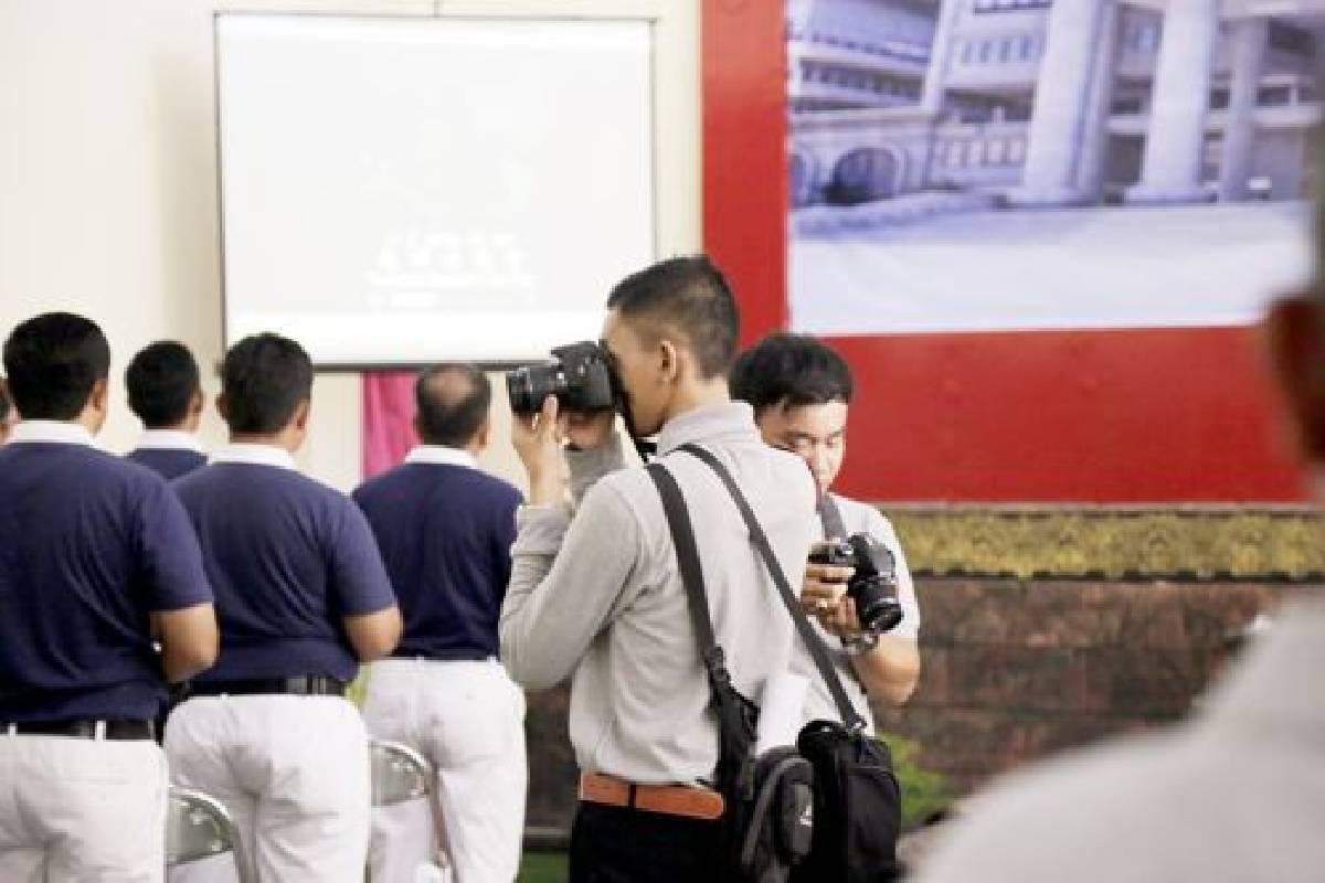 Relawan Zhen Shan Mei Sebagai Perekam Sejarah