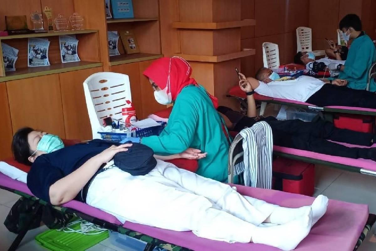 Relawan Tzu Chi Padang Mengadakan Donor Darah Di Masa Pandemi Covid 19