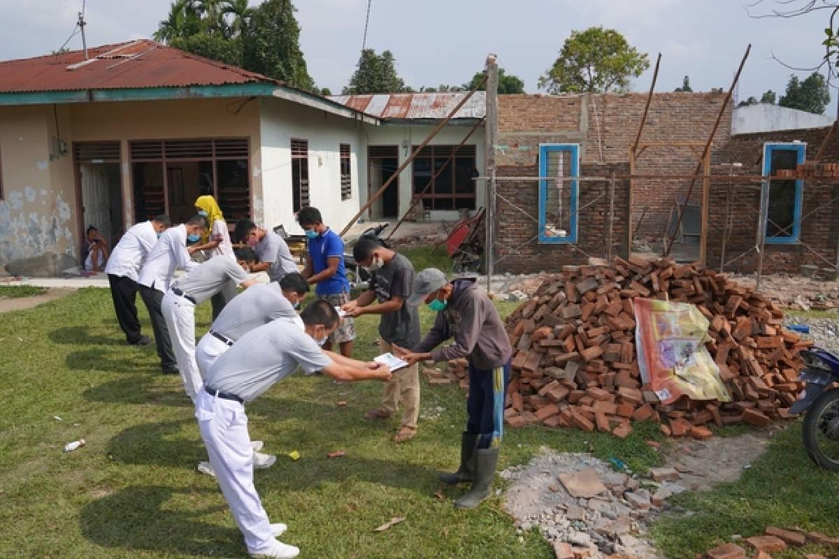 Puting Beliung Terjang Deli Serdang, Relawan Tzu Chi Turun Membantu