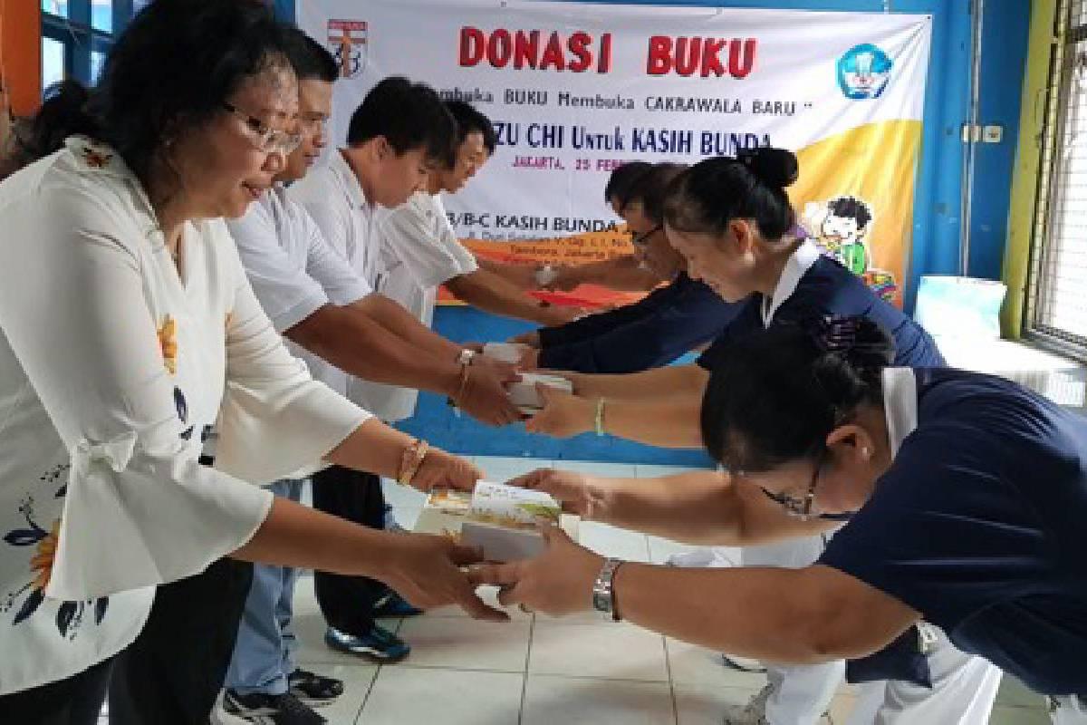 Donasi Buku untuk SLB Kasih Bunda