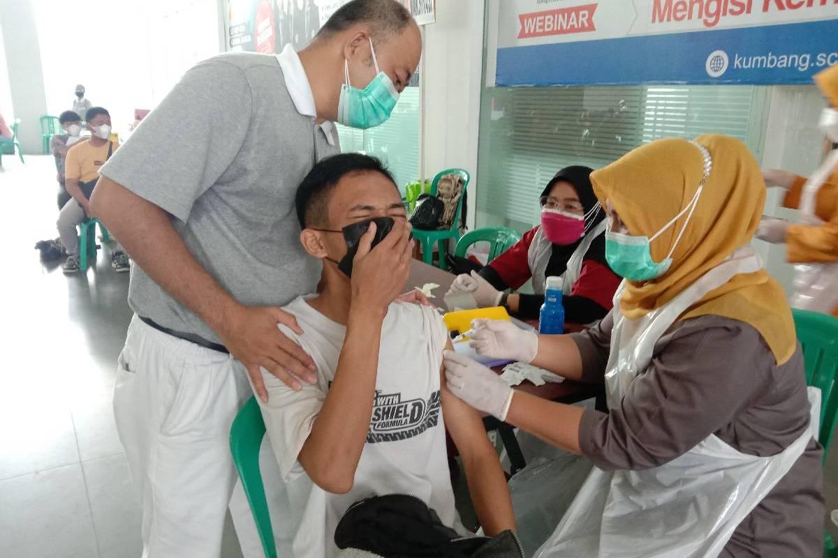 Vaksinasi Covid-19 Lanjutan di Palembang