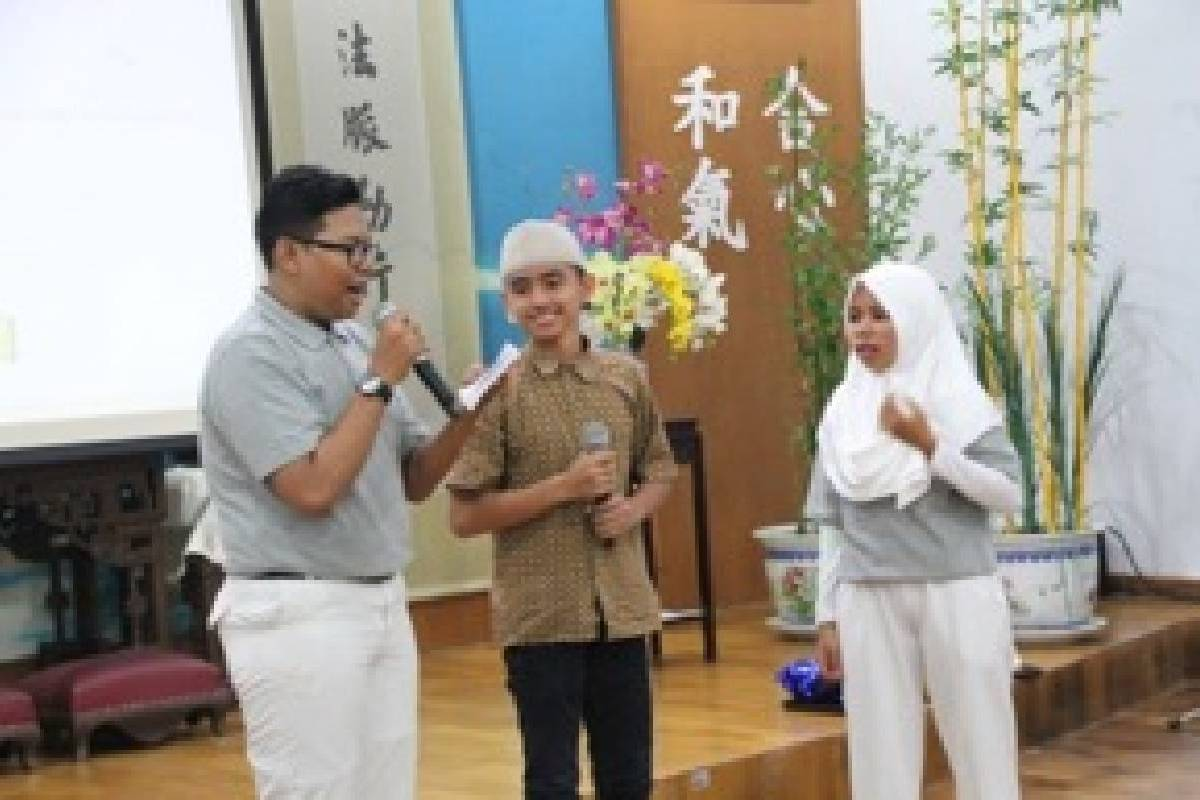 Santunan untuk 200 Kaum Dhuafa di Makassar