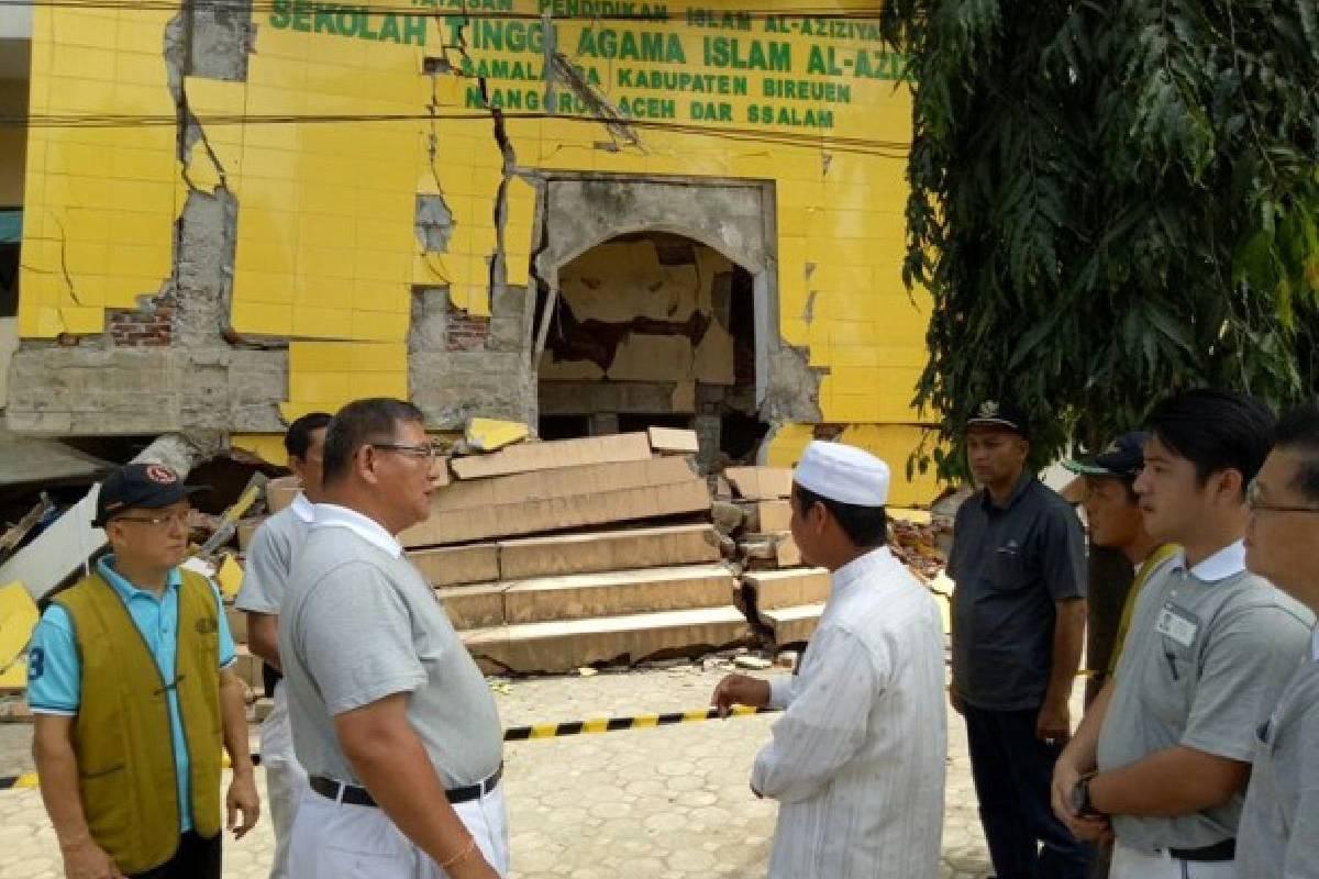 Gempa Aceh: Bantuan ke Kampus dan Pesantren di Bireun