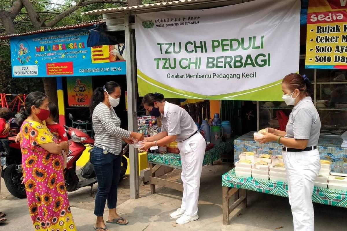Berbagi Berkah di Desa Karang Baru