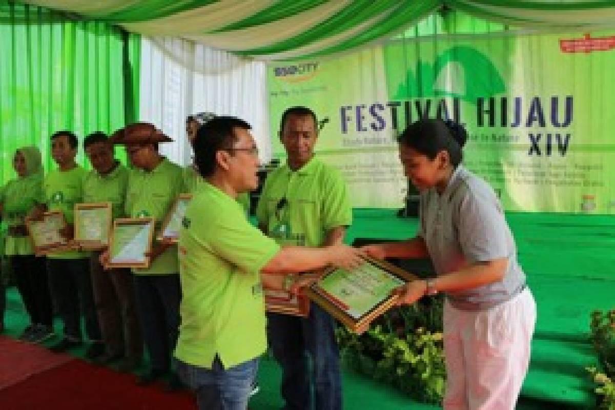 Bakti Sosial Kesehatan Umum di Festival Hijau