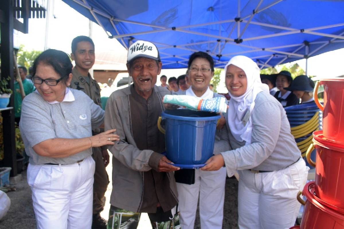 Paket Bantuan Bagi Korban Banjir di Sidrap