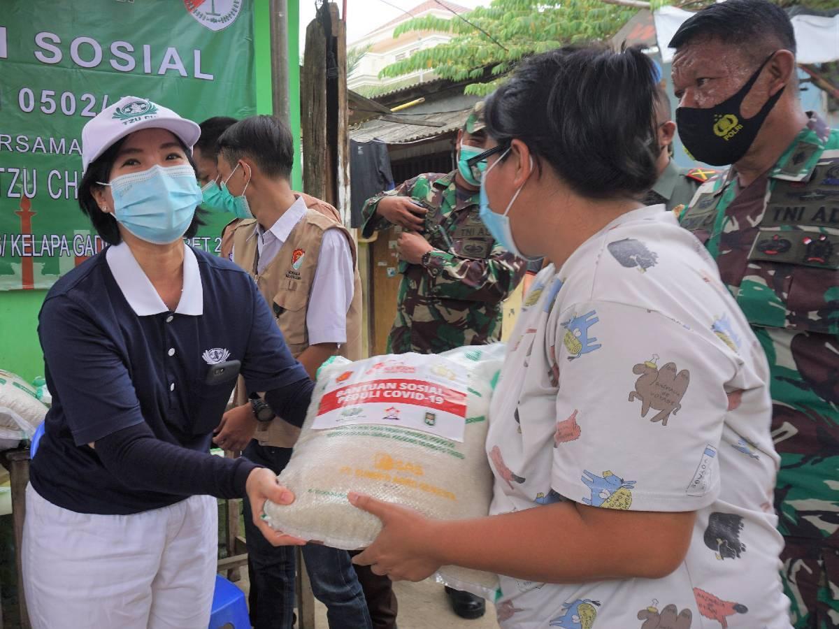 Wenny Saari: Relawan Tzu Chi Jakarta