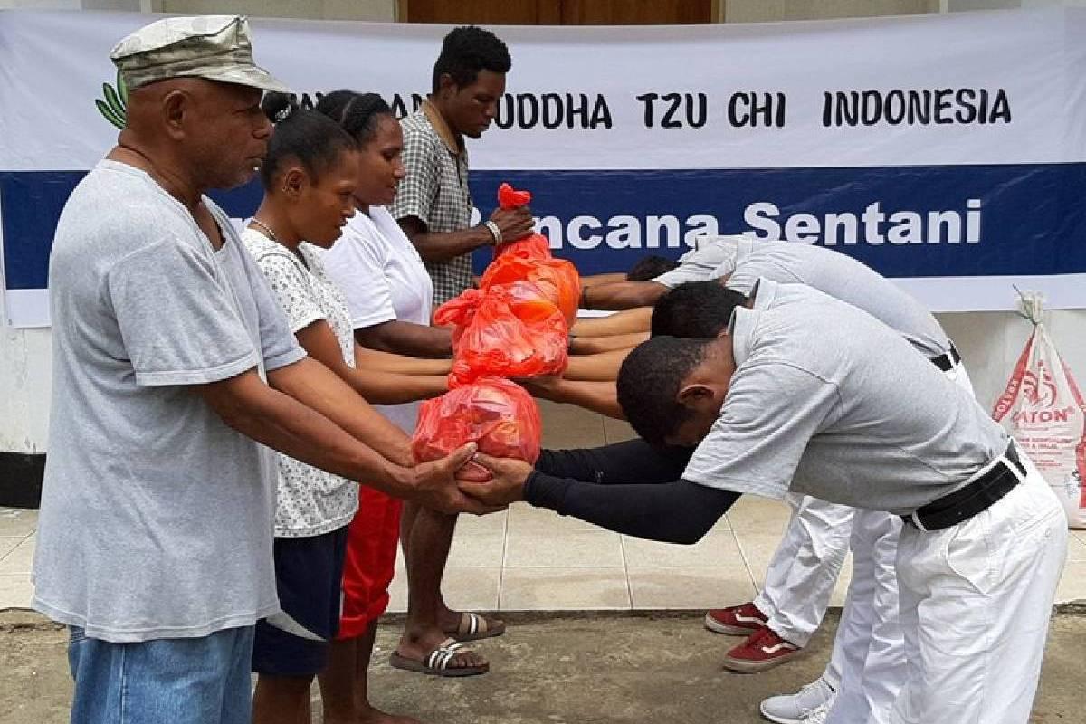 Banjir Sentani: Setiap Saat Berbuat Kebajikan