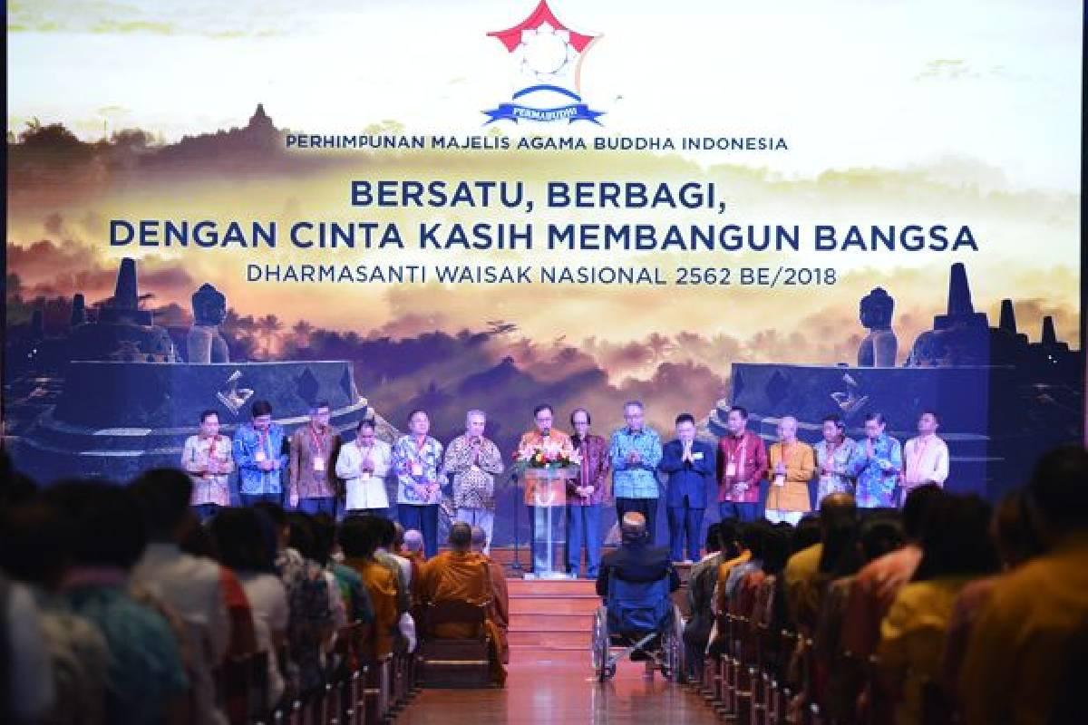 Dharmasanti Waisak Nasional:  Menjaga Kobar Api Pancasila dan Gotong Royong