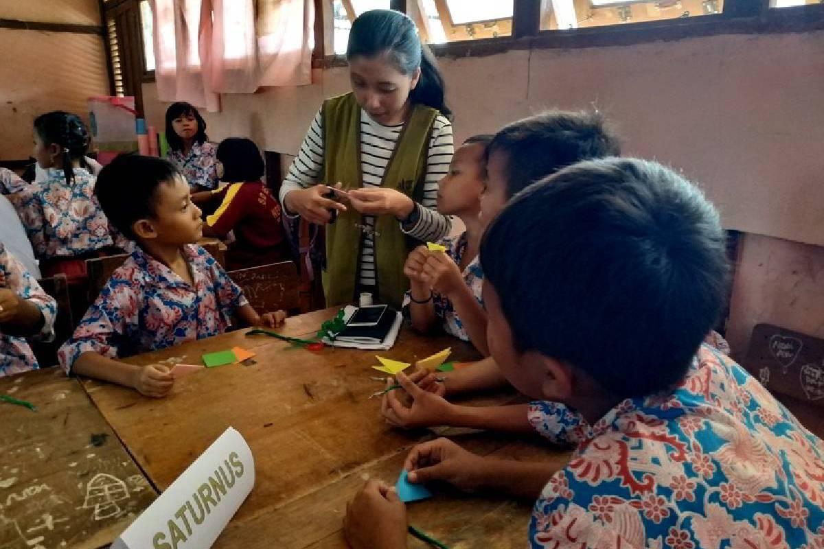 Mengasah Karakter Luhur Anak Desa Binaan