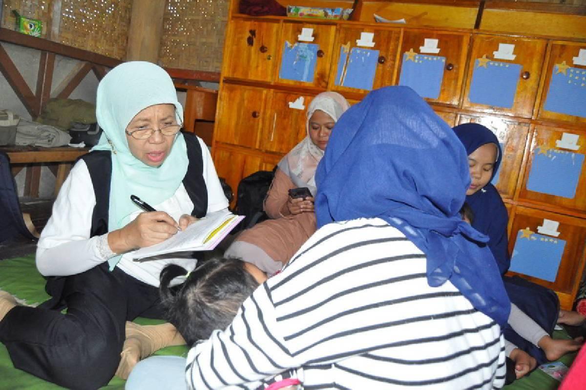 Paket Lebaran 2019: Paket Lebaran untuk Anak-anak Penyandang Disabilitas di Desa Maruyung