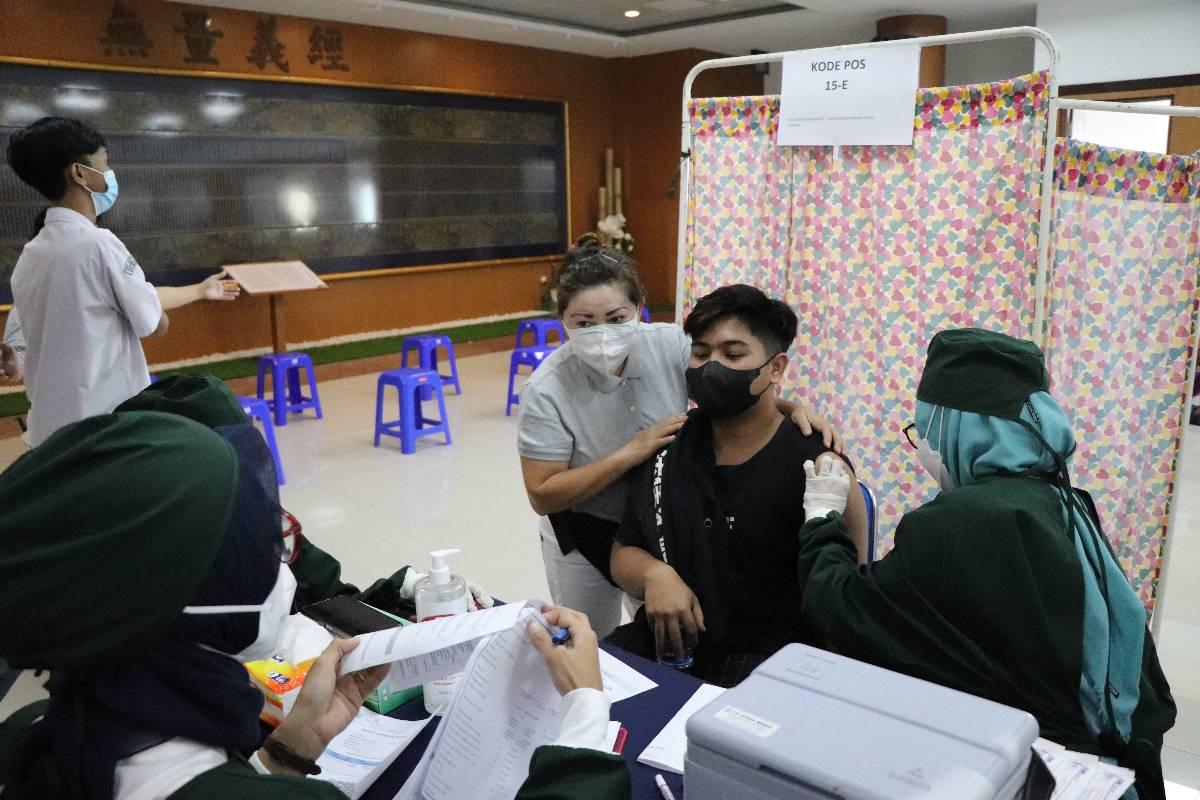 Tzu Chi Bandung dan UPT Puskesmas Garuda Hadirkan Sentra Vaksinasi Dosis 2 untuk Usia 12 Tahun ke Atas