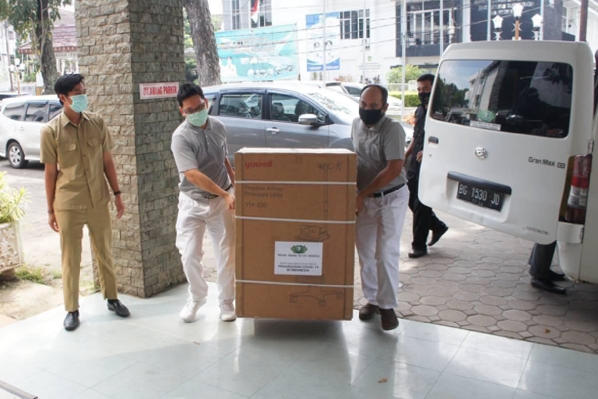 Tzu Chi Palembang Meyalurkan Bantuan Kepada Pemprov Sumsel Tahap II