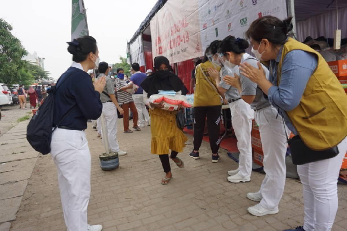 Semangat Para Relawan Tzu Chi Berkontribusi Pada Penyaluran Bantuan Sosial Peduli Covid-19