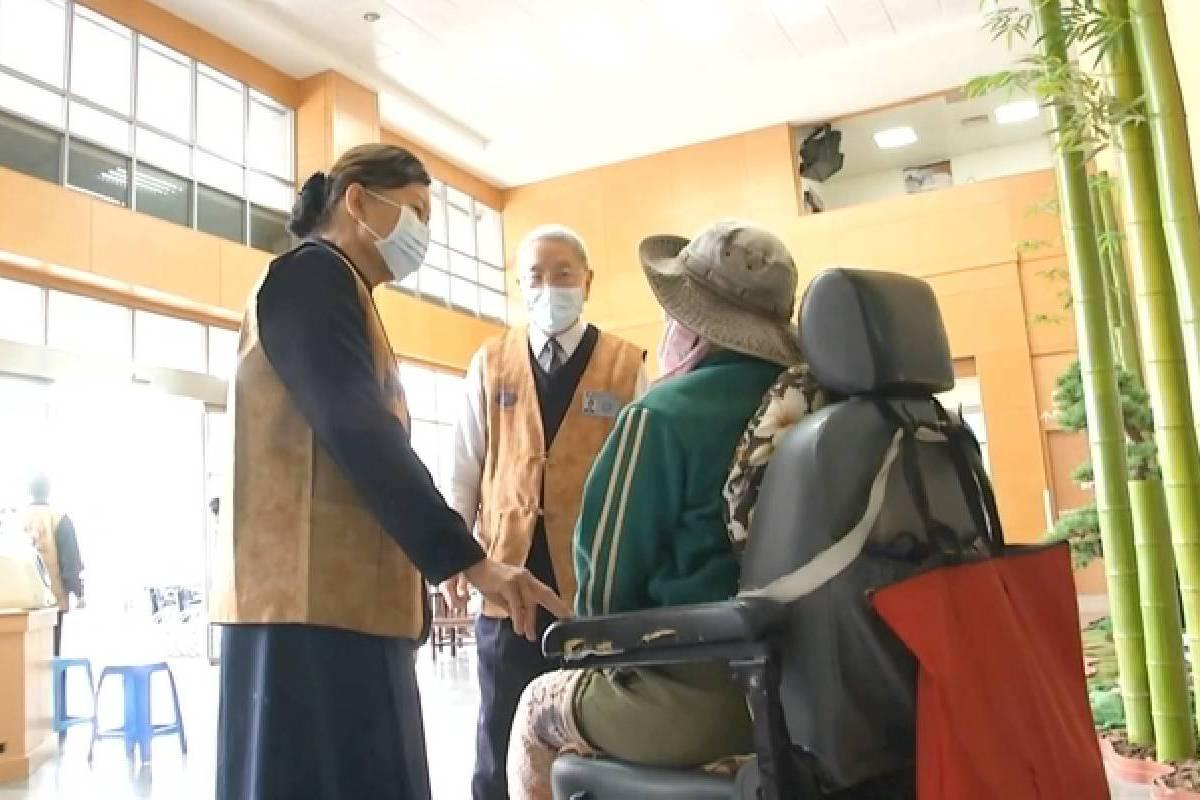 Ceramah Master Cheng Yen: Mempertahankan Tekad dalam Misi Kesehatan