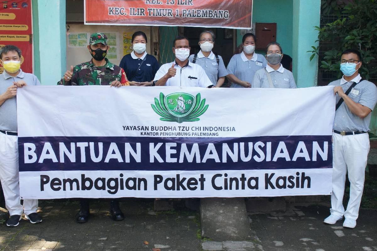 Paket Cinta Kasih untuk Warga Prasejahtera di Palembang