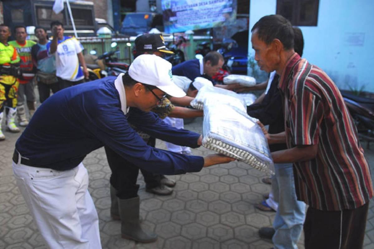 Bantuan Bagi Korban Longsor: Memberi Bantuan dan Harapan