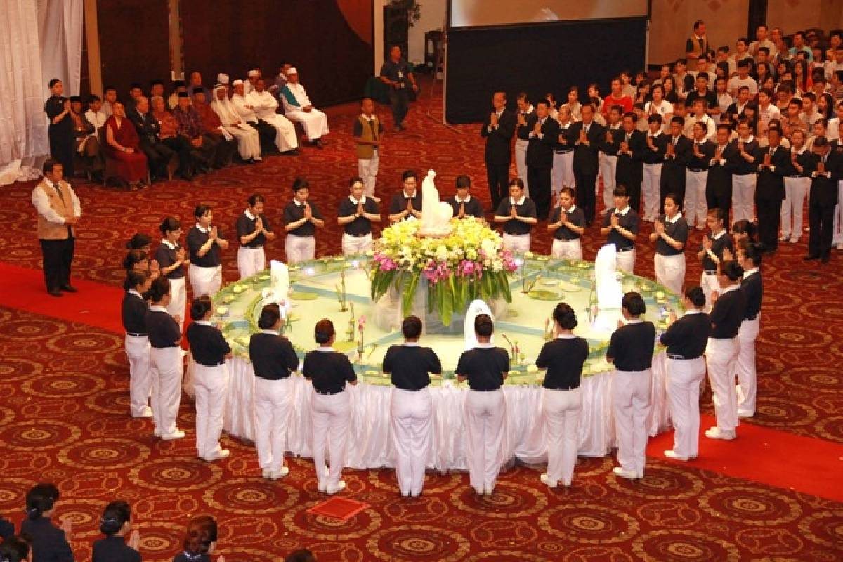 Waisak 2558/2014: Harmoni Lintas Agama