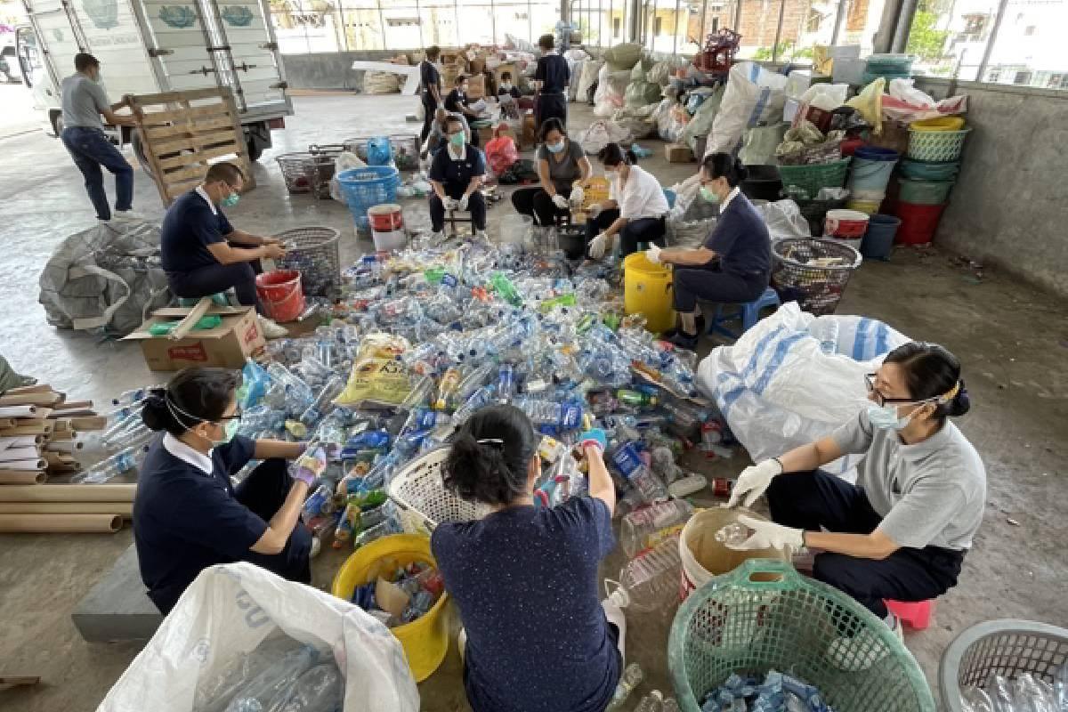 Merangkul Masyarakat untuk Peduli Lingkungan