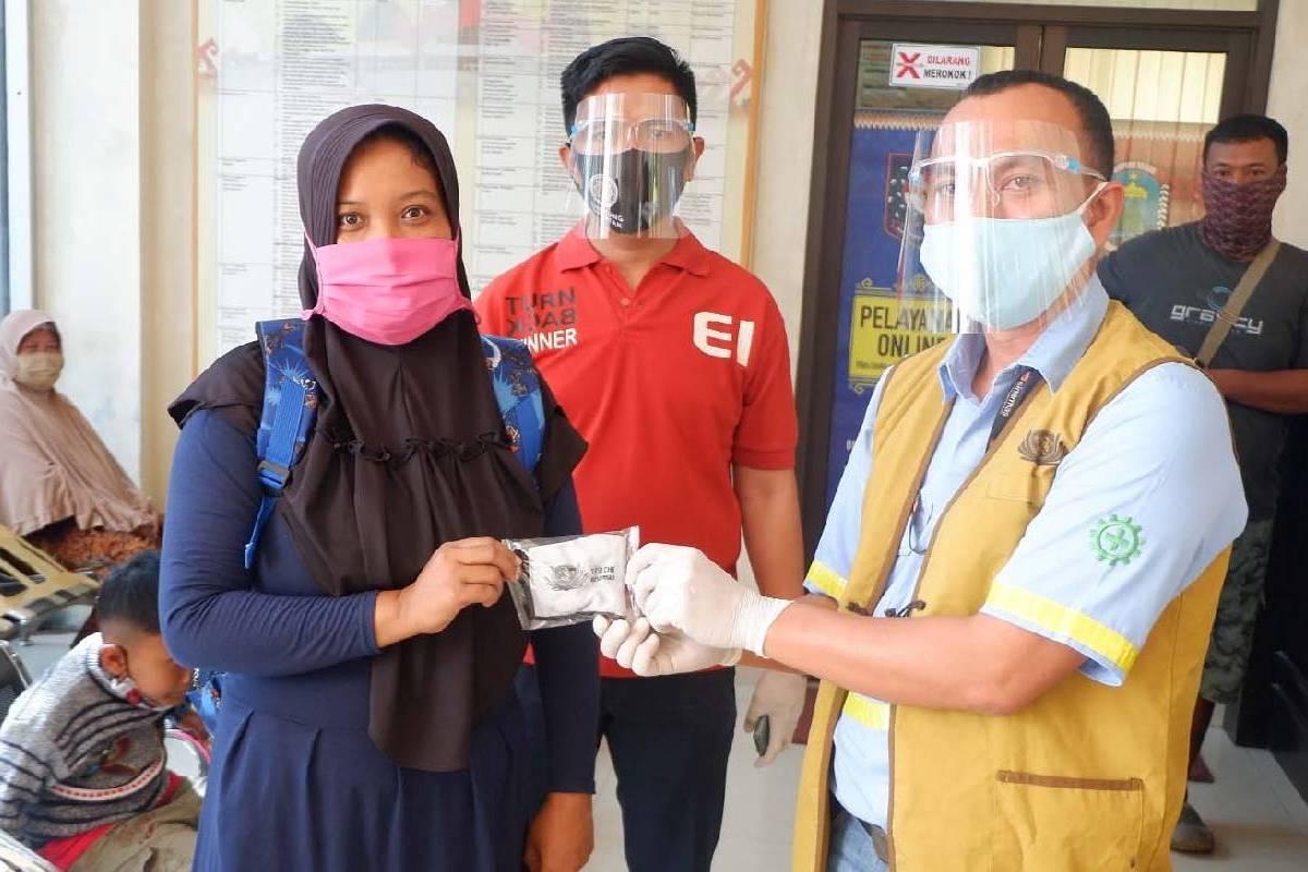 Masker Kain untuk Warga Desa Banjar Negeri dan Haduyang, Lampung