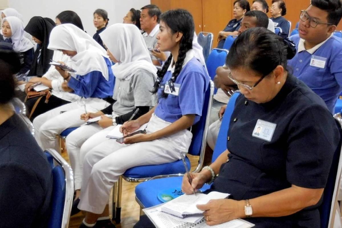 Membina Insan Tzu Chi Makassar Dengan Pelatihan