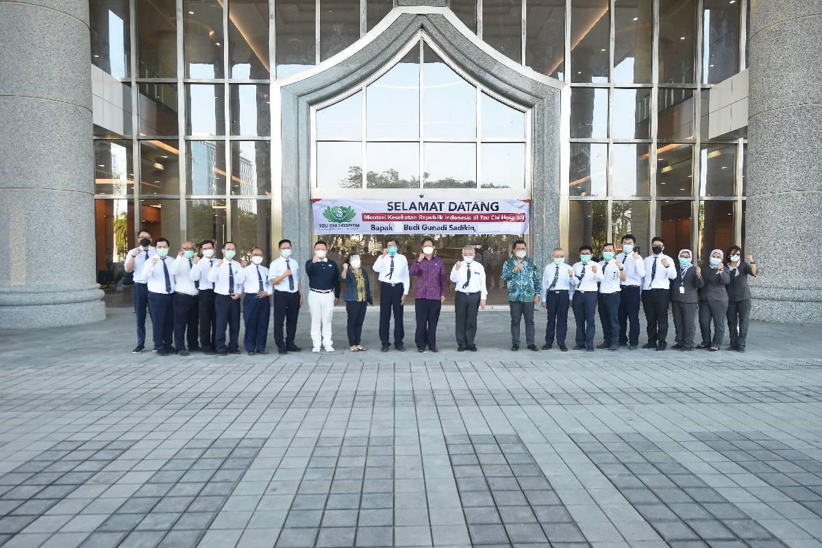 Kunjungan Menteri Kesehatan RI Budi Gunadi Sadikin ke Tzu Chi Hospital