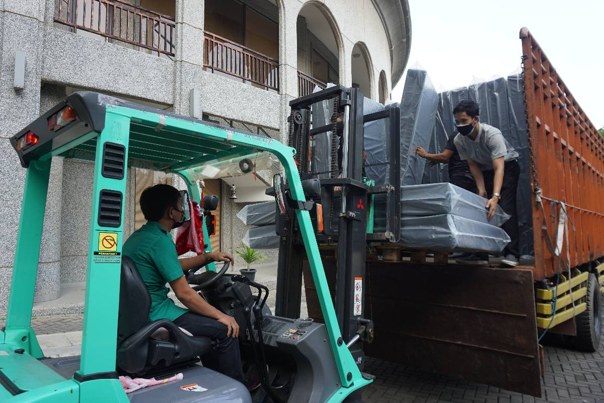 Bantuan Tzu Chi untuk Shelter Karantina Covid-19 di UGM