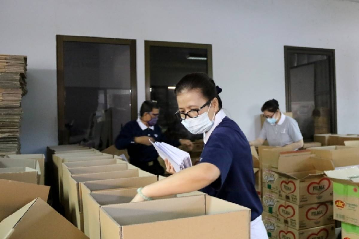 Gotong Royong Membantu Kesulitan di Tengah Pandemi Covid-19