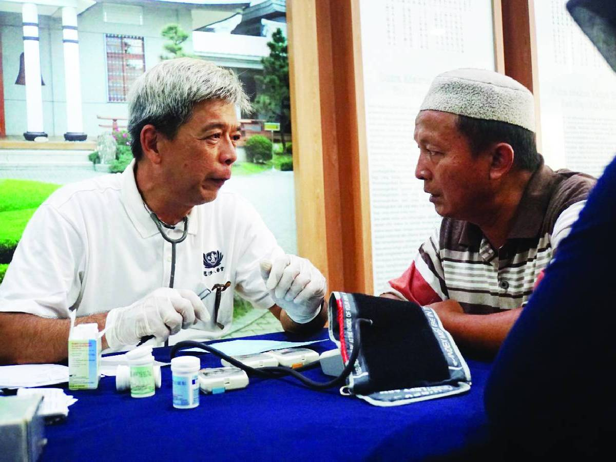 Dr. Flemming Wijaya: Relawan dan Dokter TIMA Tzu Chi Pekanbaru