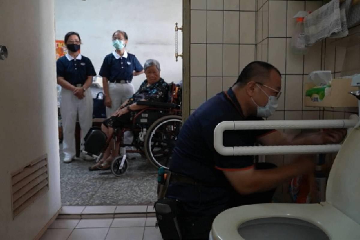 Ceramah Master Cheng Yen: Berpegang Teguh pada Tekad Awal dan Meneruskan Jiwa Kebijaksanaan