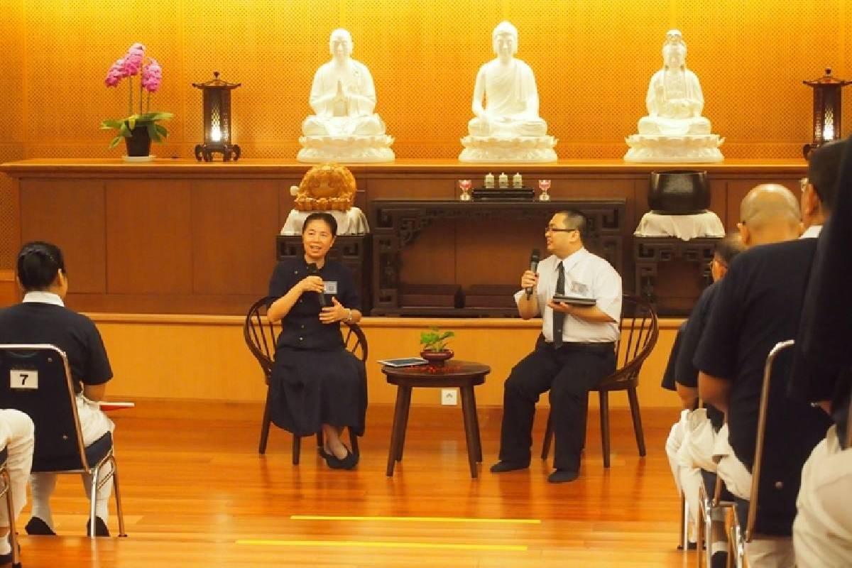 Belajar dari Pengalaman Ketua Tzu Chi Indonesia