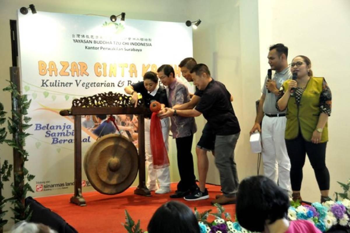 Bazar Amal Cinta Kasih Tzu Chi Surabaya: Belanja Sambil Beramal