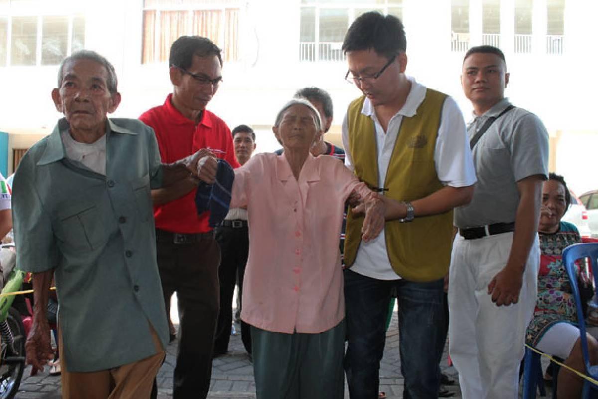 Relawan Buddha Tzu Chi Layani Ratusan Warga Kurang Mampu di Manado