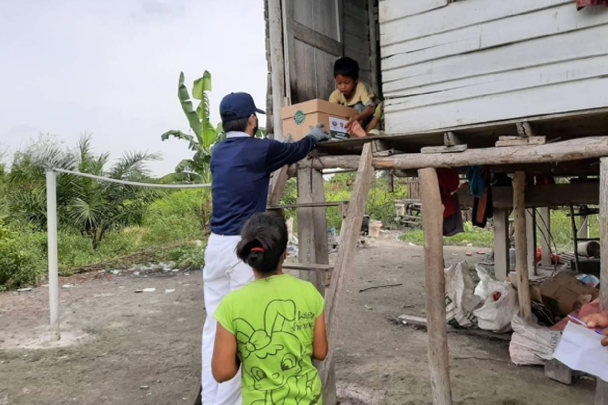 Paket Cinta Kasih untuk 500 Warga di Kecamatan Rumbai