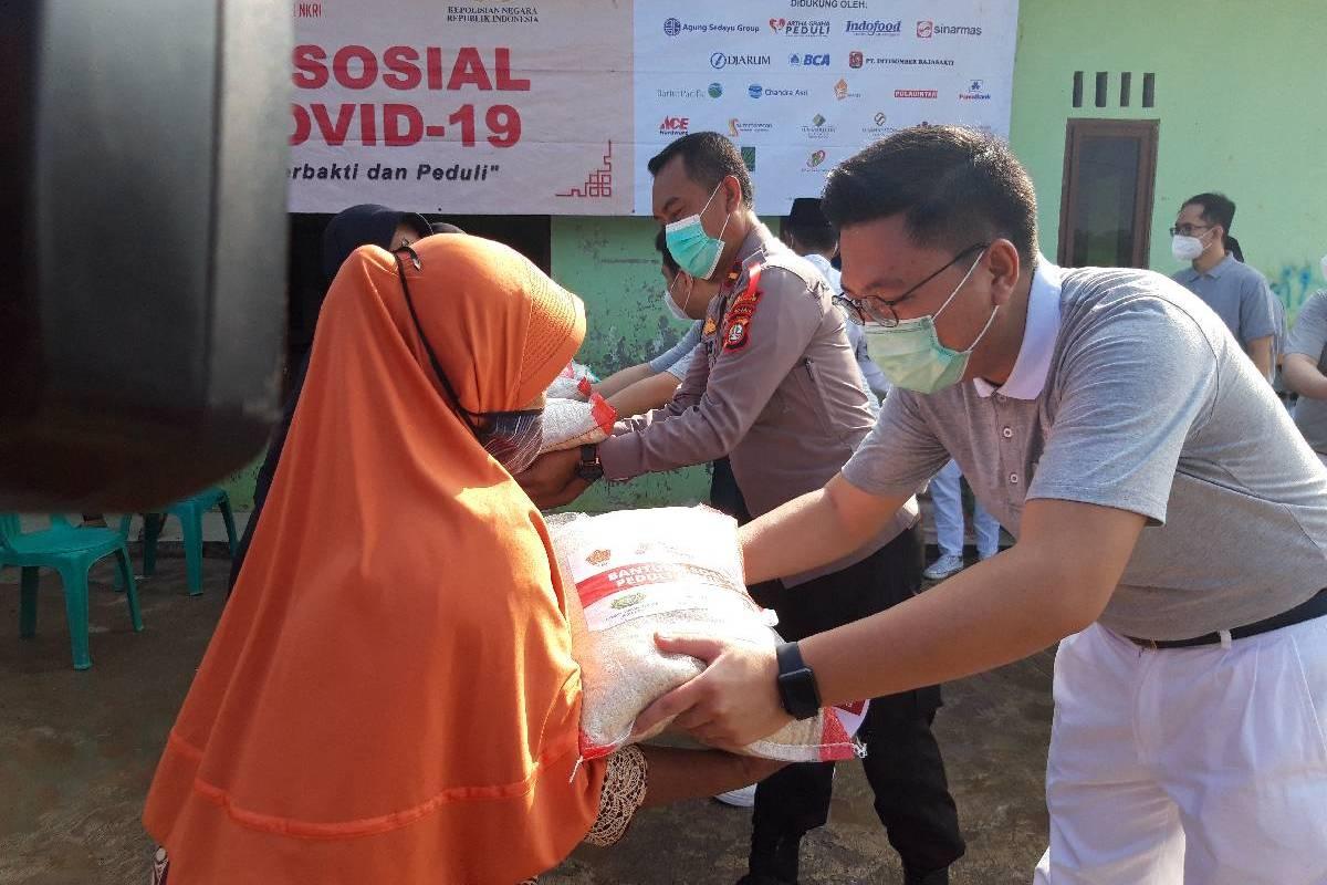 120 Paket Beras untuk Kampung Alor, Jakarta Utara