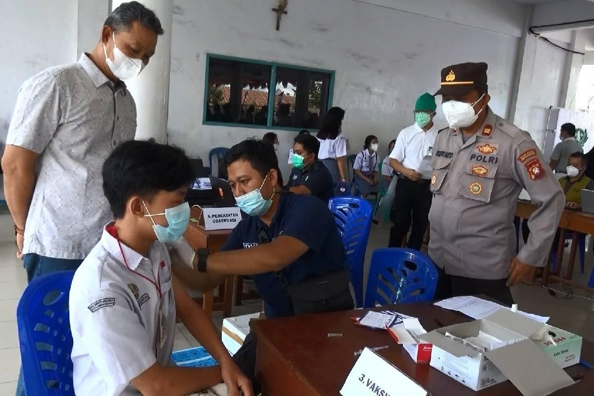 Mendukung Percepatan Vaksinasi Covid-19 untuk Pelajar