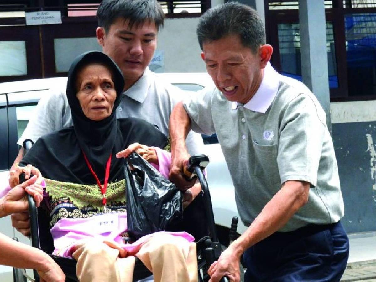 Relawan Tzu Chi Jakarta: Po Kim San (Aguan)