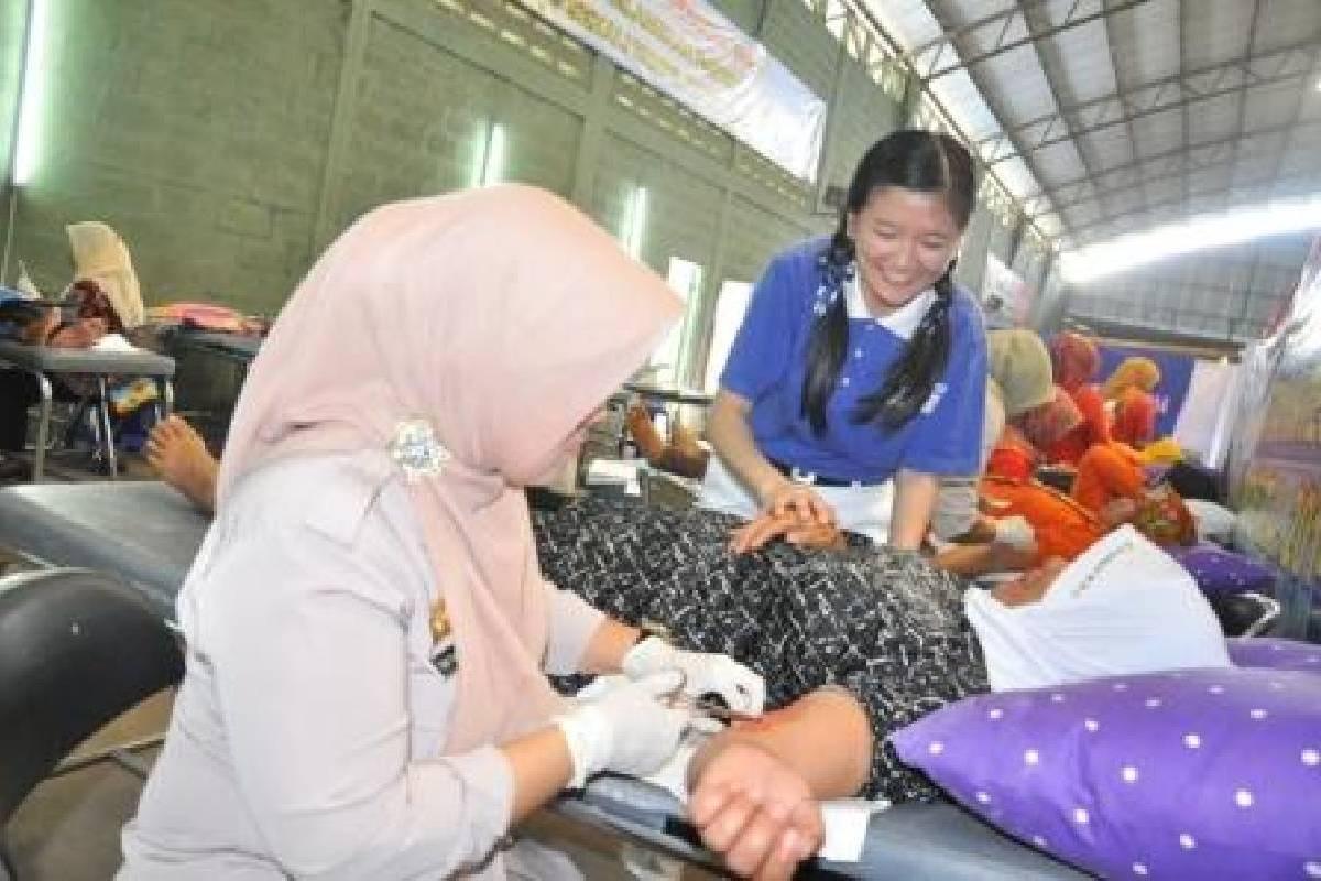 Baksos Kesehatan Tzu Chi Bandung di HUT Bhayangkara