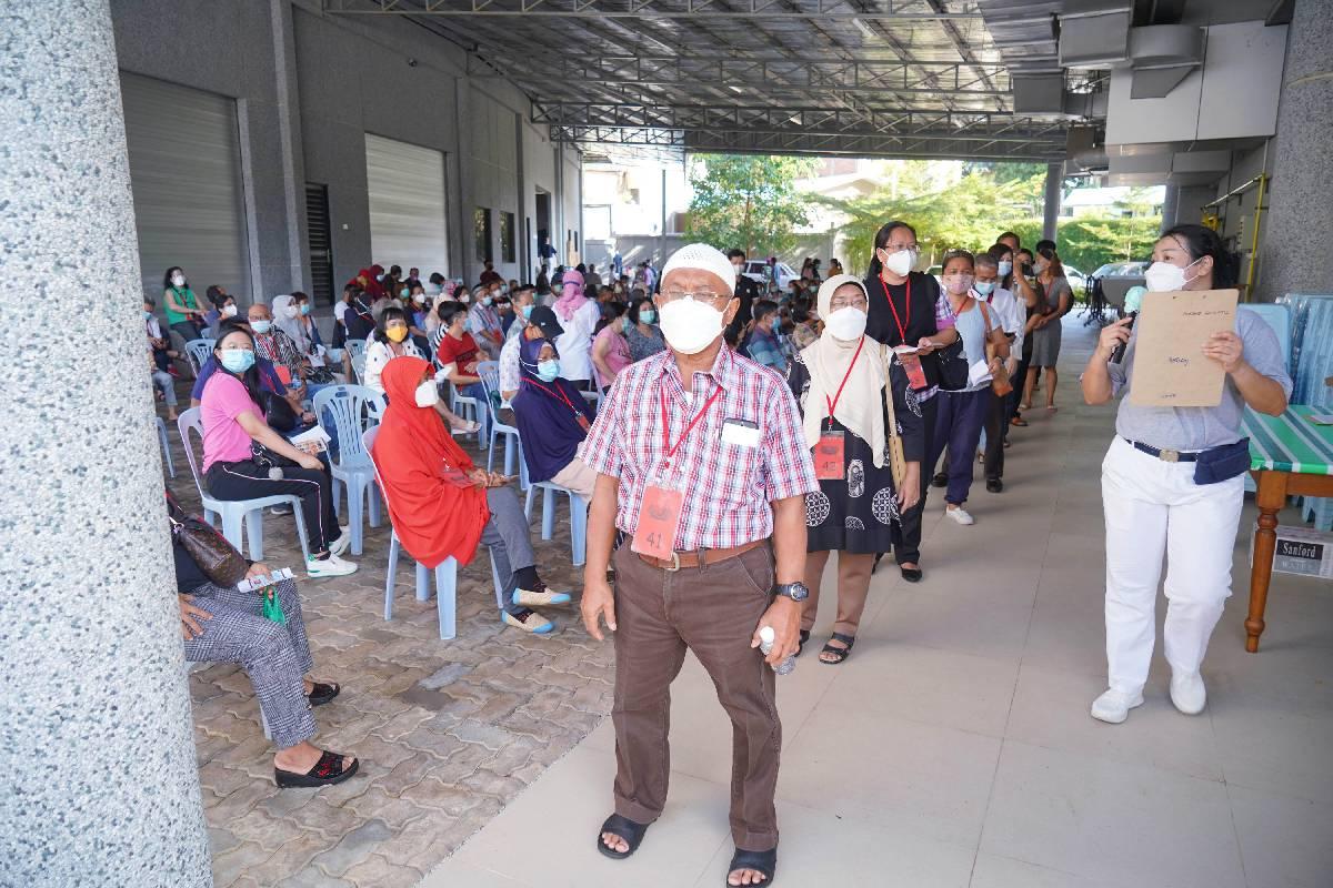 Vaksinasi Lansia Tahap 2, Dukungan Tzu Chi Batam untuk Mengejar Target Vaksinasi